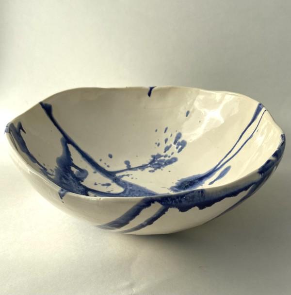 Splattered big bowl by Mariana Sola