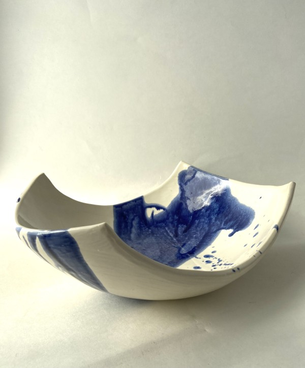 Splattered bowl by Mariana Sola