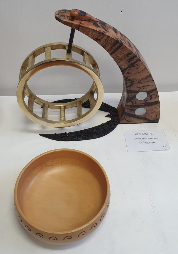 Huon Song Bowl by Richard Nutt