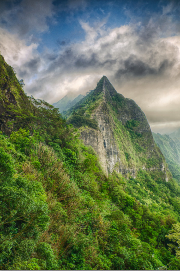 Koolau Mountain, Hawaii by Ed Warner