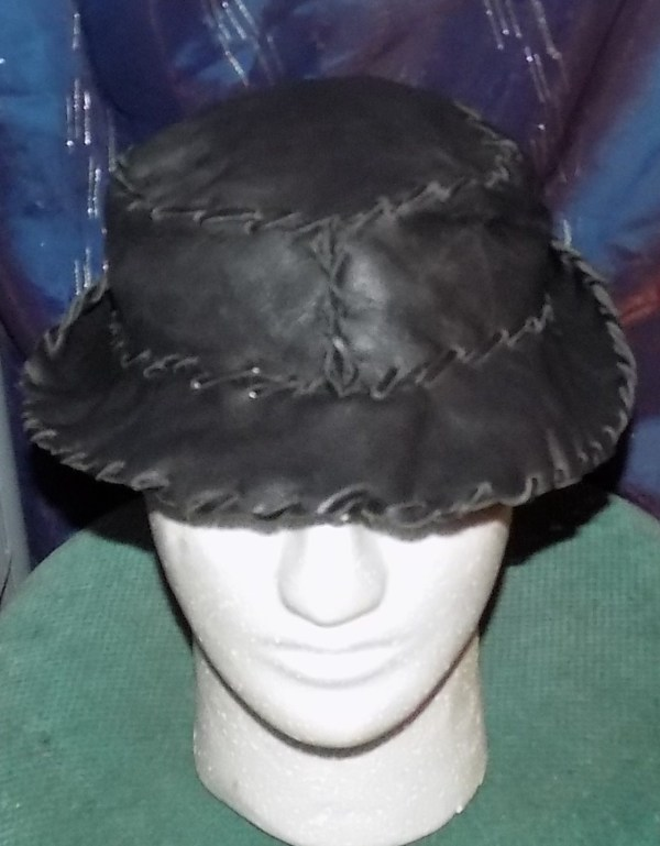 """Leather Hat - """"Fedora-Style"""" in black by Annie Rich"""