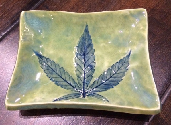 Lustrous 420 small rectangle dish by Nell Eakin