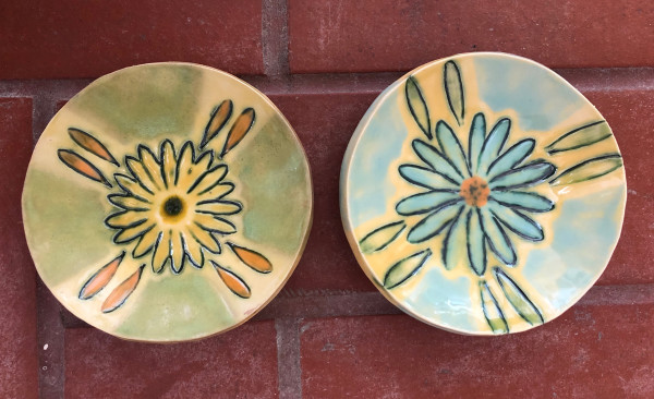 Daisy bowl or mix n match by Nell Eakin