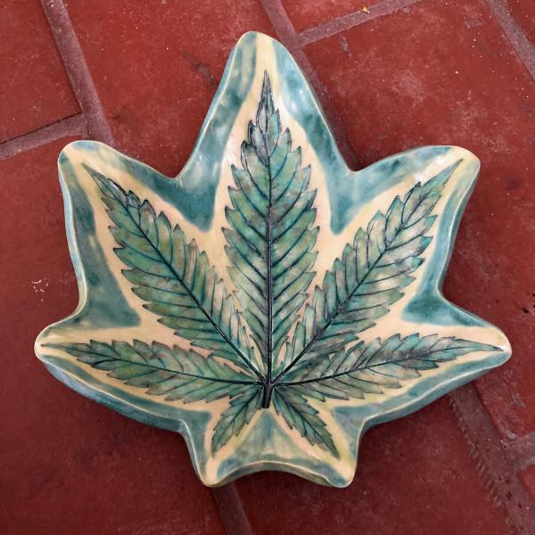Wild Emerald Leaf tray by Nell Eakin
