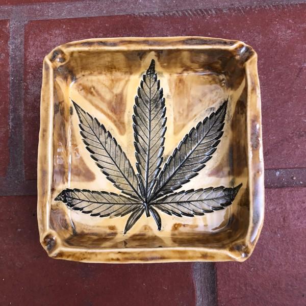 Warm Honey 5 leaf box by Nell Eakin