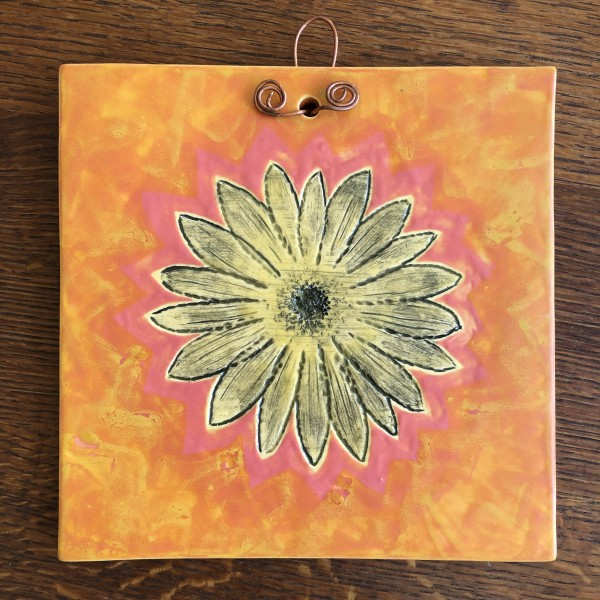 Big Smile Daisy Tile by Nell Eakin