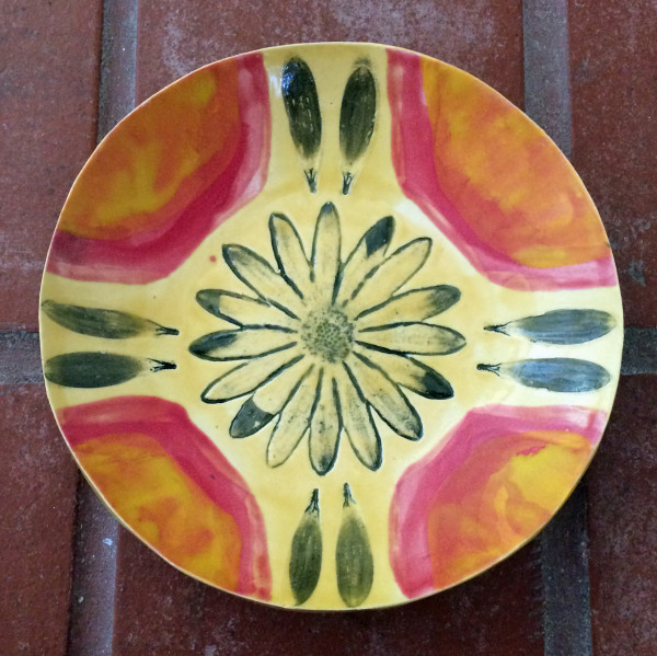 Daisy bowl, in oranges by Nell Eakin