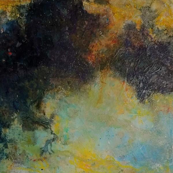 Dark Horizon by Mary Mendla