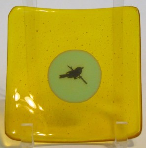 Plate-Yellow with Green center with bird decal