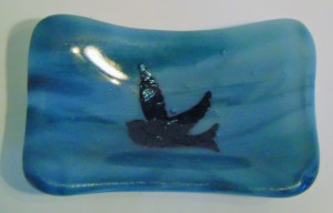 Small dish-Blue Streaky with copper bird