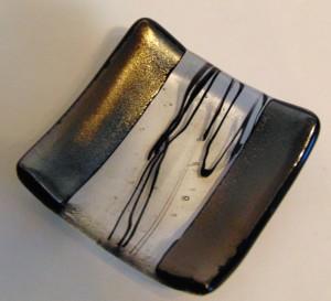 Small Plate-Black Irid & Stringer