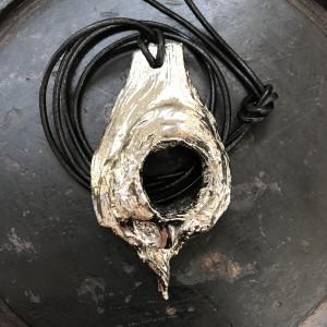 Relic pendant
