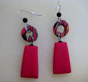 红色矩形耳环