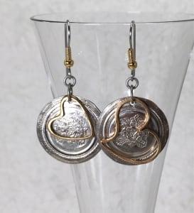 银色和金色的心耳环