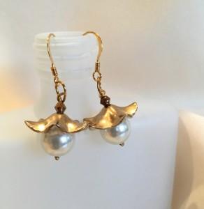 Flower cap earrings