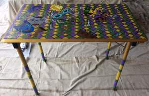 New Orleans folding wood table