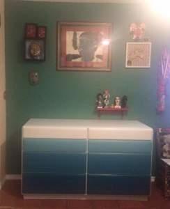 蓝绿色的烤漆台