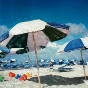 蓝色的沙滩伞