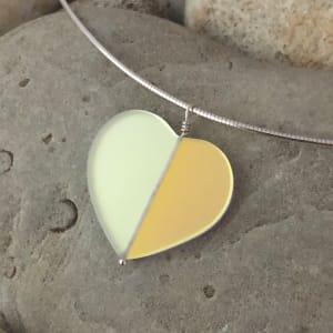 "PAX451,  Heart GLOW Glass Gems 18"" Pendant Necklace"