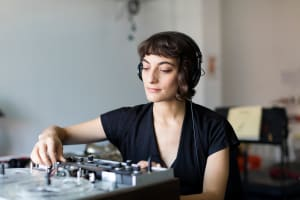 Bemis Center for Contemporary Arts:  2022 Sound Art + Experimental Music Program Artist-in-Residence Open Call