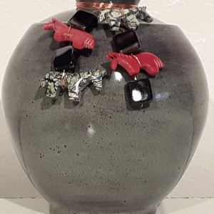Small Lidded Jar w/Beads 5