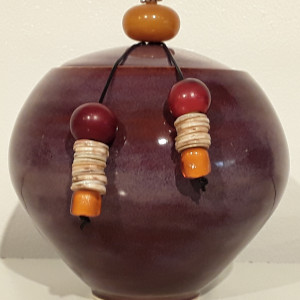 Small Lidded Jar w/Beads 3