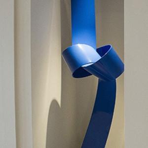 Large Blue Knot, CT Residence by Joe Gitterman