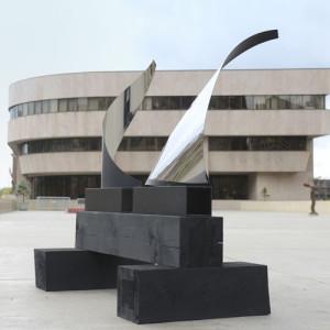Bushnell Plaza Sculpture Garden, Hartford, CT (Gestures Yin & Yang) by Joe Gitterman