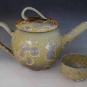 Oriental Teapot with 2 cups
