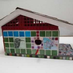Bird house front with patio i5a7dn