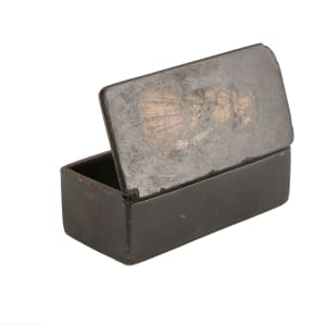5028 - Box with Figure on Lid