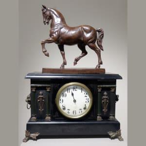 4110 - Horse Clock