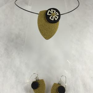 Gold and black set pendant