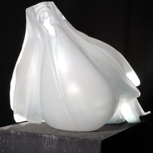 Inflatable 41 (Jellyfish) by Linda van Huffelen