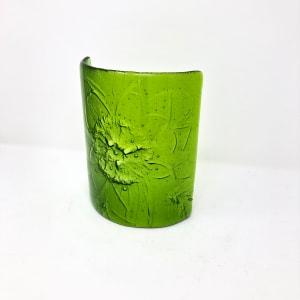 SHI315, Spring Green Peony in oak block by Hilary Shields