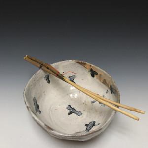Majolica Rice Bowl with Lilac Chopsticks