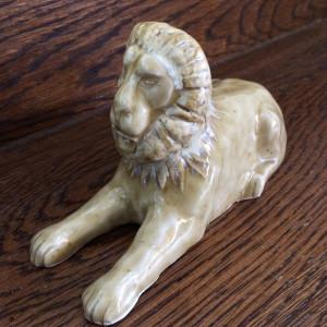 Leonard the lying lion by Nell Eakin