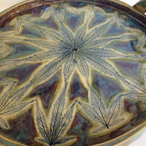 Splendora the tray with handles by Nell Eakin